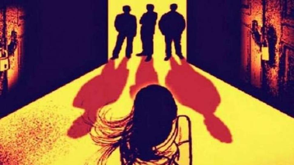 हरियाणा: Facebook पर दोस्ती के बाद लड़की को मिलने बुलाया, फिर जंगल में 25 लोगों ने किया गैंगरेप