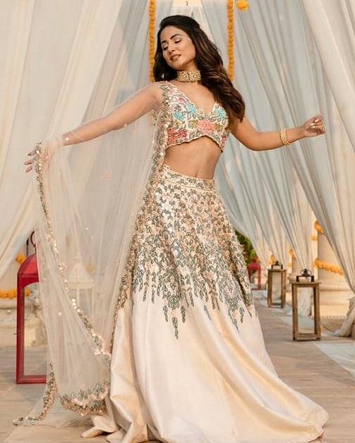 Hina Khan bridal photo shoot