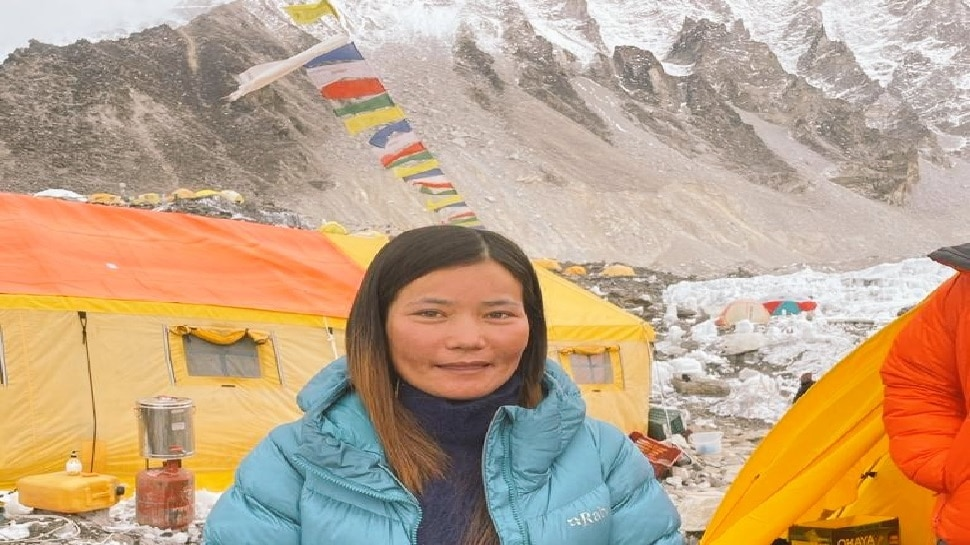 2021 में Everest फतह करने वाली पहली भारतीय महिला बनीं Tashi Yangjom, केंद्रीय खेल मंत्री ने दी बधाई