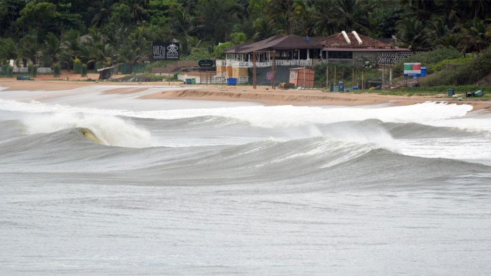 Cyclone Tauktae गोवा के तट से टकराया, मूसलाधार बारिश के साथ तेज हवाएं चलना हुईं शुरू