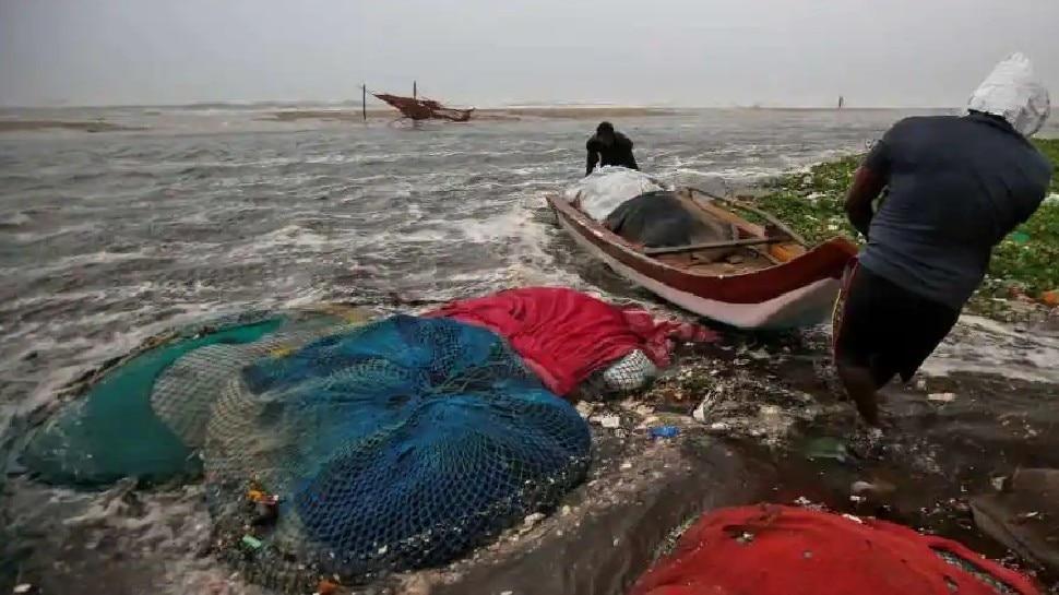 Cyclone Tauktae Update: भीषण चक्रवाती तूफान में बदला तौकते, गृह मंत्री Amit Shah ने लिया तैयारियों का जायजा
