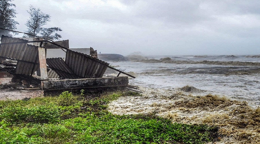 तौकते तूफान का कहर: गृह मंत्रालय अलर्ट पर, सभी प्रभावित राज्यों संग किया मंथन