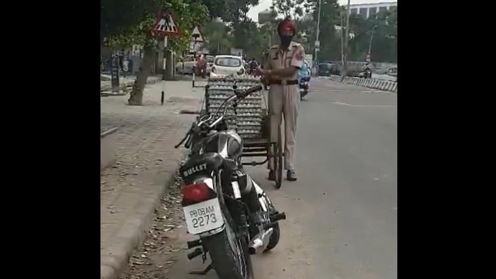 Punjab Police का 'चोर' Head Constable सस्पेंड, सोशल मीडिया पर Viral हो रहा है अंडे पर हाथ साफ करने का Video
