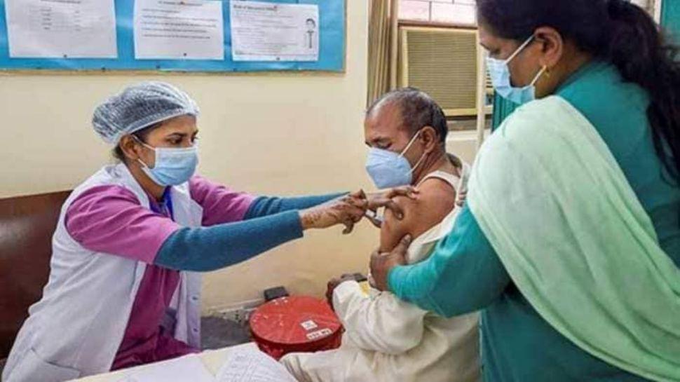 Coronavirus: सरकार के पैनल की सलाह, कोरोना होने के 9 महीने बाद ही लें वैक्सीन