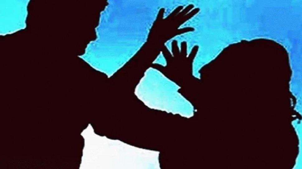 Kota: थाने पहुंचा पति-पत्नी का झगड़ा, महिला बोली-बेटियों के साथ भी करता है जुल्म
