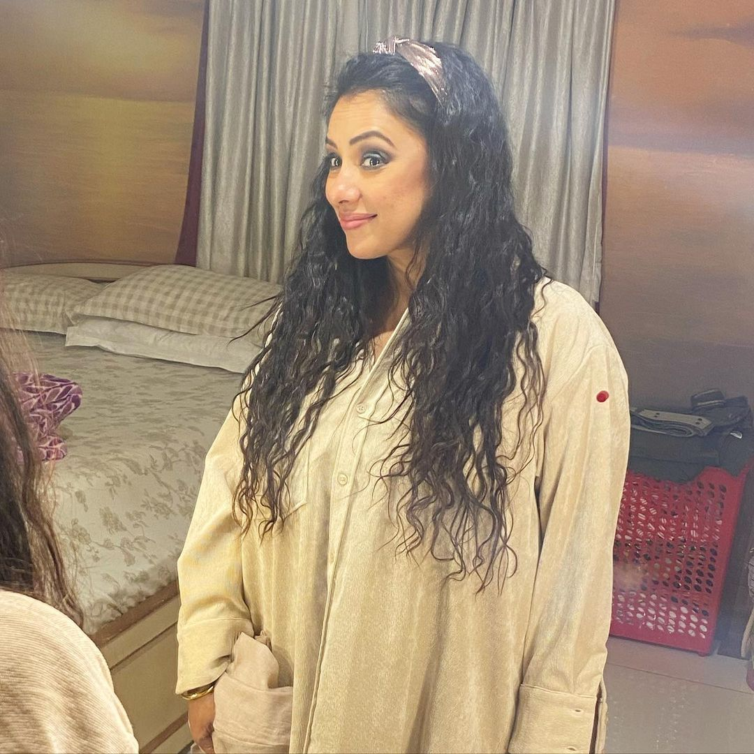 simple bedroom of Rupali Ganguly