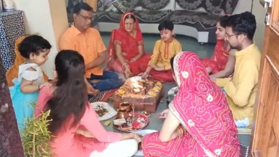 भगवान की शरण में जनता, Pratapgarh में सभी जगह हो रही पूजा-पाठ