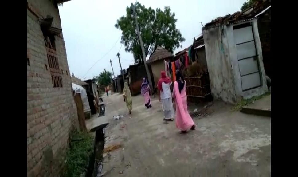 बगहा: हेल्थ वर्कर को देख भाग रहे हैं ग्रामीण, गांव में वैक्सीन सेंटर होने पर भी नहीं लगवा रहे टीका