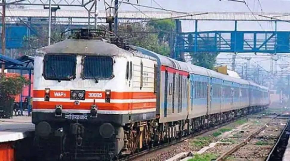 Indian Railway: बिहार जाने वाली कई ट्रेनों के समय व रूट में बदलाव, देखें पूरी लिस्ट
