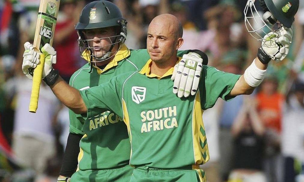 गांजा फूंकते पकड़ा गया यह दिग्गज क्रिकेटर, 6 गेंदों पर ठोके थे 6 छक्के
