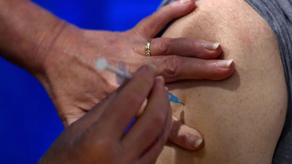 कोरोना वैक्सीन को लेकर SDM ने संभाला मोर्चा, टीका लगवाने की लोगों से की अपील