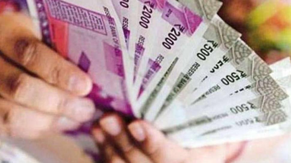APY Scheme: रोजाना 7 रुपये की इन्वेस्टमेंट से हर महीने होगी 5000 की सेविंग, टैक्स में भी मिलेगी छूट