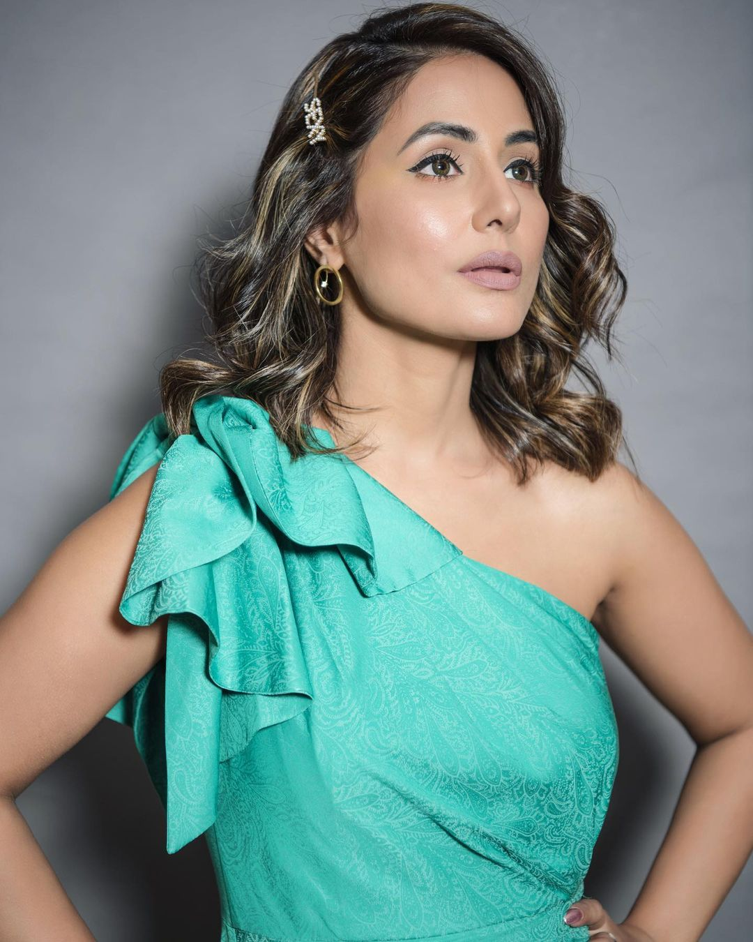 Hina Khan look preety