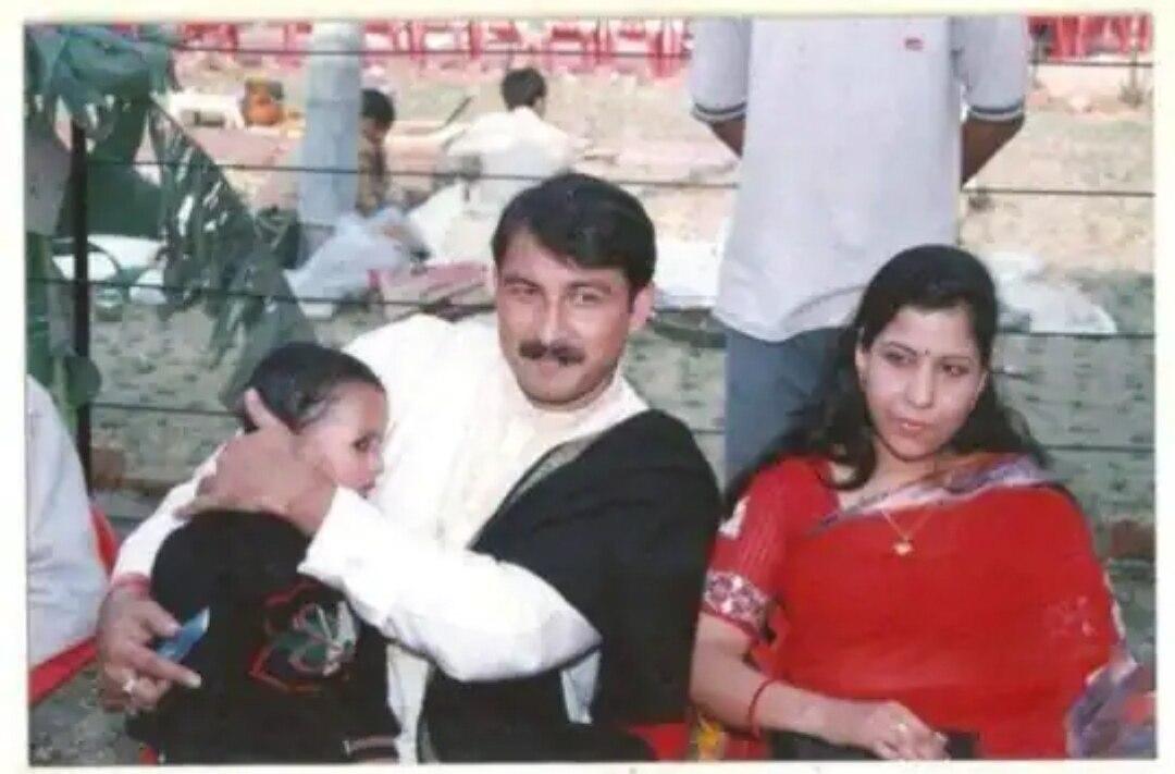 Who is Manoj Tiwaris first wife3