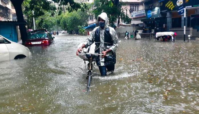 Monsoon Weather Update:  यूपी, बिहार में शुरू हुई बारिश, दिल्ली में इस दिन एंट्री करेगा मॉनसून