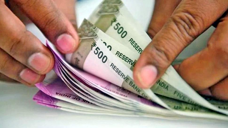 PM-SYM: सिर्फ 55 रुपये महीना जमा कराएं, पेंशन आएगी 36 हजार; जानिए कैसे करें अप्लाई