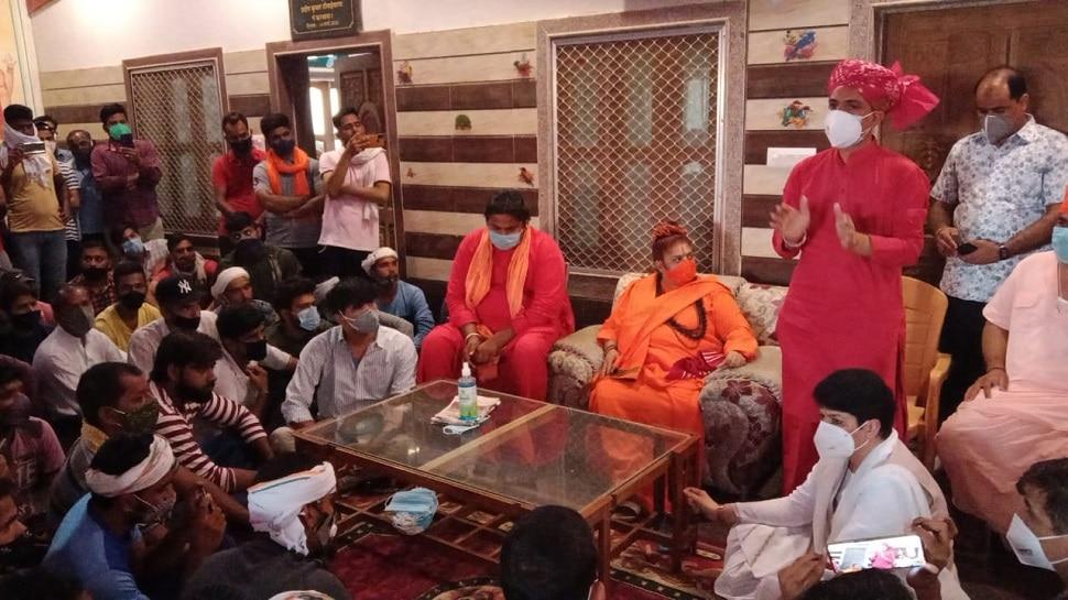 Jhunjhunu : आखिरकार लिखित समझौते के बाद सुलझा रायमाता मंदिर जमीन से रास्ते से जुड़ा विवाद