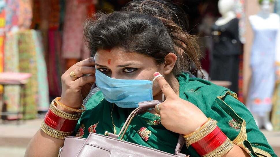 मास्क न पहनने पर यह मशीन देती है सजा, लोगों ने कहा, भारत में मशीन उखाड़ कर घर ले जाएंगे लोग!