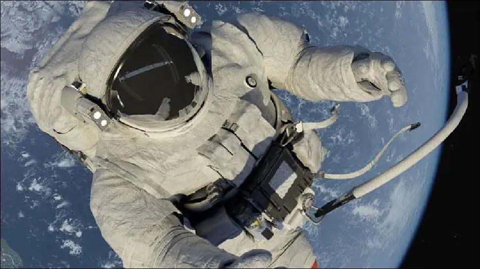 Space Station पर कपड़े धोने के लिए Detergents भेजेगा NASA, अभी गंदे कपड़े अंतरिक्ष में ही फेंक देते हैं यात्री