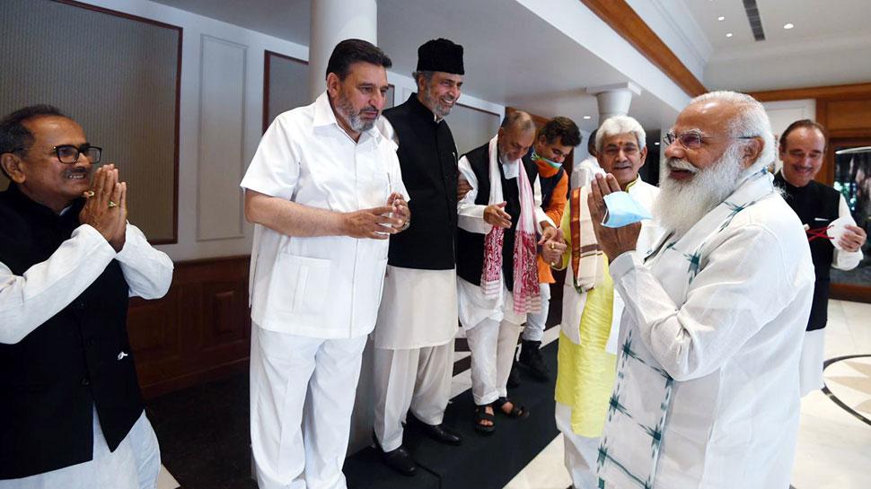दिल-दिल्ली की दूरी खत्म होनी चाहिए, J&K में सबके लिए सुरक्षित माहौल होना जरूरी: PM मोदी