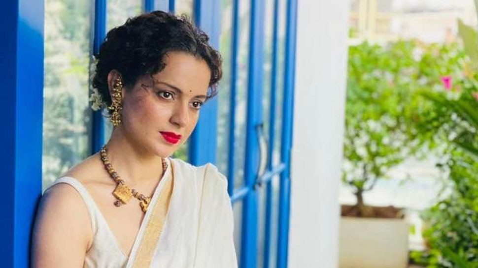 Kangana Ranaut Happy to Get New Passport Actress Shares Picture With Dhaakad Director |  Kangana Ranaut's 'Dhaakad' return, shared the photo and told good news to the fans