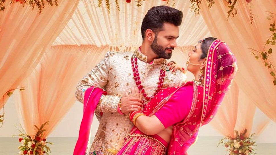 Bigg Boss Fame Singer Actor Rahul Vaidya Mumbai Home that Disha Parmar will soon call her Own |  The house where Disha Parmar will come as a bride, see how Rahul Vaidya's house is from inside