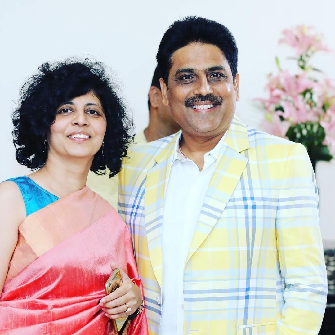 Taarak Mehta fame shailesh lodha real wife dr. Swati Lodha is beautiful and highly educated   Taarak Mehta की असल पत्नी नहीं हैं 'अंजलि भाभी से कम', पढ़ाई के मामले में छोड़ा