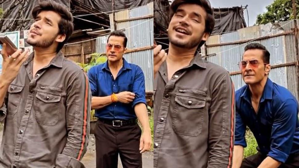 Anupama Funny video vanraj beats samar after listening him talking on phone with girl |  Vanraj caught Anupama's son Samar red-handed, thrashed him with shoes!