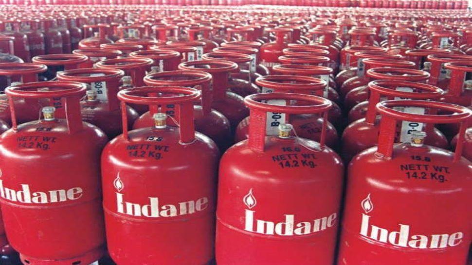lpg latest news gas cylinder booking without address proof know details  IOCL news   LPG Gas Cylinder: अब बिना Address Proof मिलेगा गैस सिलेंडर,  जानिए कहां और कैसे करें अप्लाई   Hindi News, बिजनेस