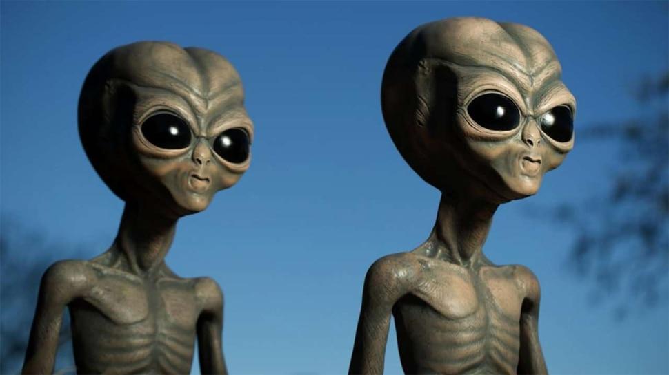 Time Traveller की भविष्यवाणी: अगले साल धरती पर आएंगे विशाल Aliens, US बनाएगा निशाना और छिड़ जाएगी जंग