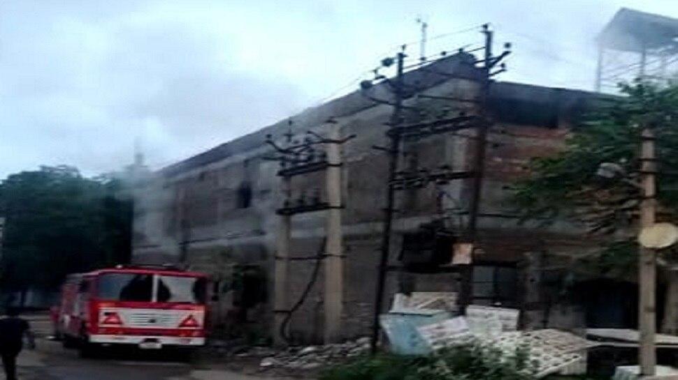 Jaipur : अग्रवाल फुटवियर फैक्ट्री में लगी भीषण आग, लाखों का कच्चा माल जलकर खाक