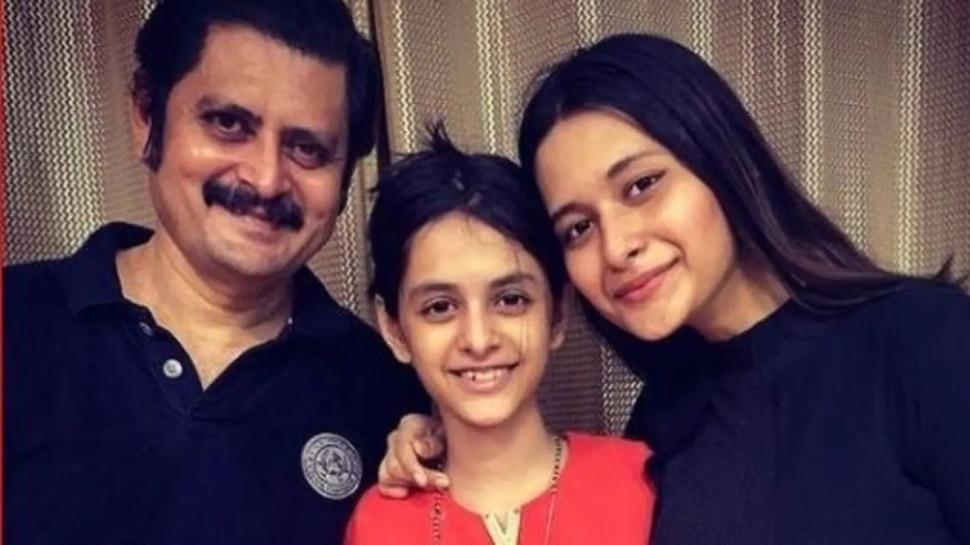 Bhabi Ji Ghar Par Hai Fame Manmohan Tiwari aka rohitashv gour shared video with daughter |  Bhabi Ji Ghar Par Hai fame Manmohan Tiwari slaps daughter as a mother, video goes viral