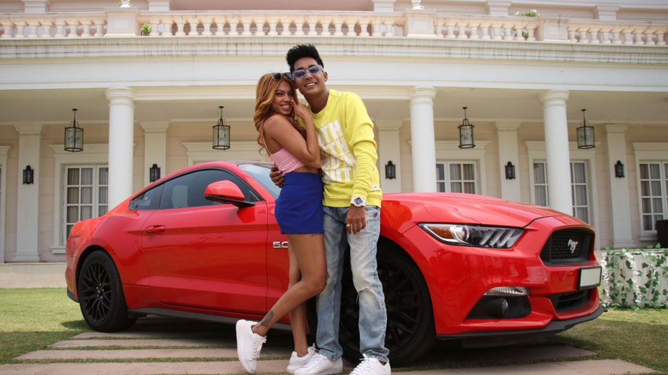 Rohit Jinjurke and Nita Shilimkars song Bimariyan trending with 12 million on YouTube |  Rohit Jinjurke and Nita Shilimkar's song Bimariyan trended, got 12 million views