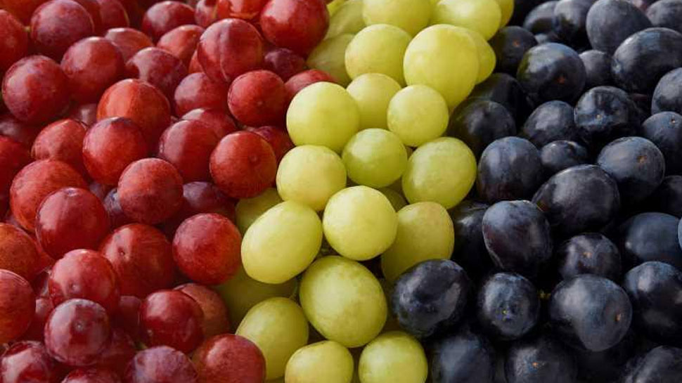 Do not eat grapes with beer and liquor