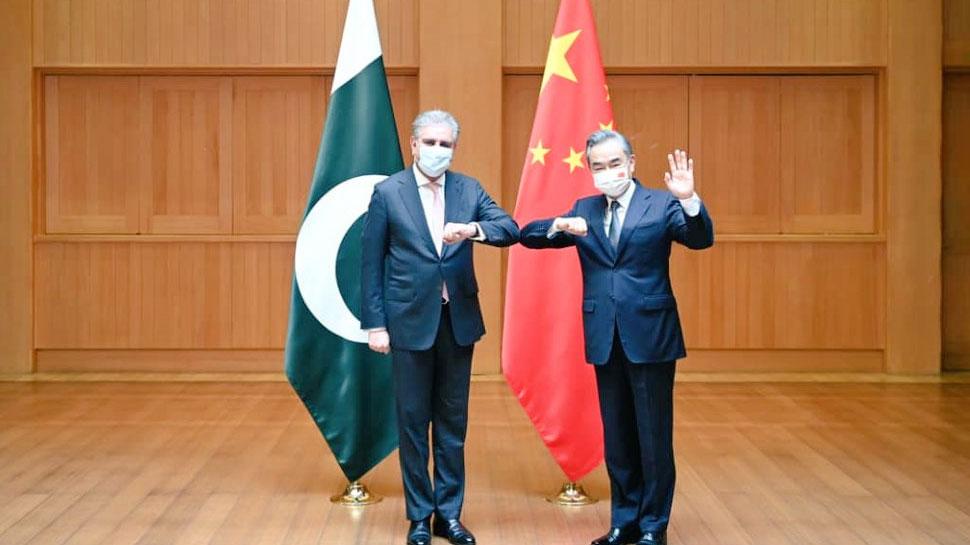 Pakistan और China की बैठक में Shah Mahmood Qureshi ने उछाला Kashmir का मसला, मदद के लिए फैलाए हाथ