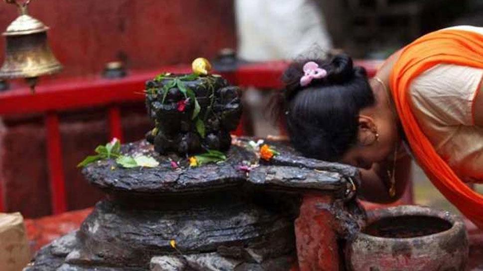 सावन सोमवार 2021: आज से शुरू हुआ श्रावण मास, इन फूलों से भोले को करें प्रसन्न, जानें पूजा की विधि