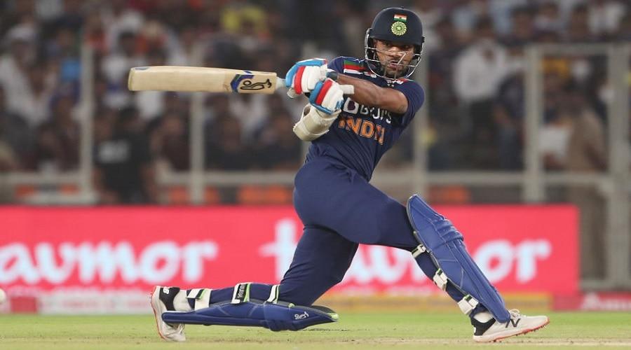 IND vs SL: मैदान पर उतरते ही शिखर धवन ने तोड़ा महेंद्र सिंह धोनी का रिकॉर्ड