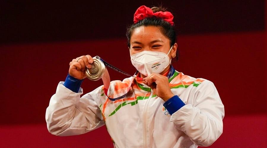 Tokyo Olympics: IOC ने पदक विजेताओं के लिए नियमों में किया बदलाव, मास्क को लेकर दी ये छूट