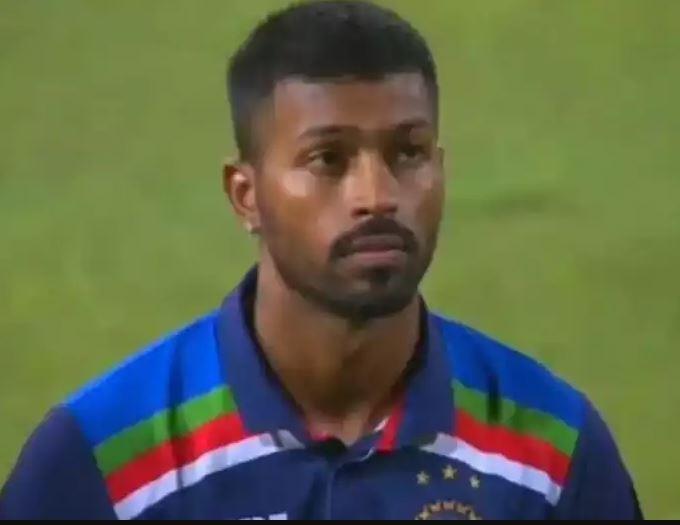 Video: श्रीलंका का राष्ट्रगान गाते हार्दिक पंड्या का वीडियो हुआ वायरल, क्या आपने देखा