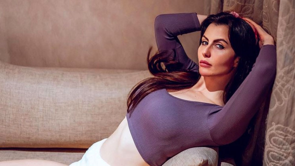 Salman Khan Sister in Law Giorgia Andriani to Appear in shreyas talpade Comedy Movie |  Salman Khan's sister-in-law Giorgia Andriani shared a funny video, will be seen in this film
