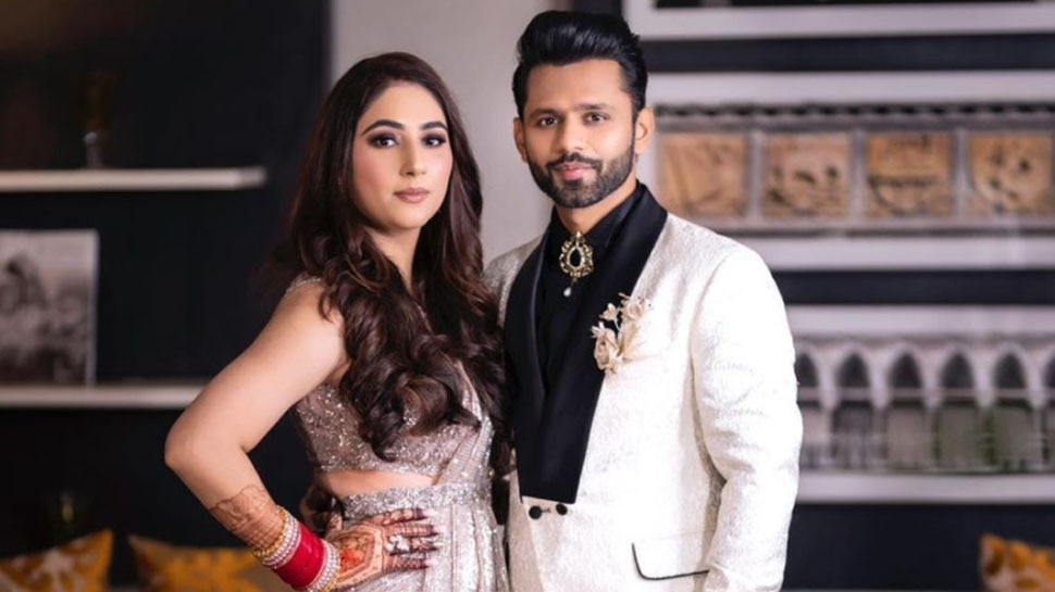 Rahul Vaidya and Disha Parmar Wedding Live Instagram Video Debating Over Maang ka Sindoor |  After marriage, vermilion was not shown in the demand of Disha Parmar, if the fan asked, then there was an argument with Rahul in the live video