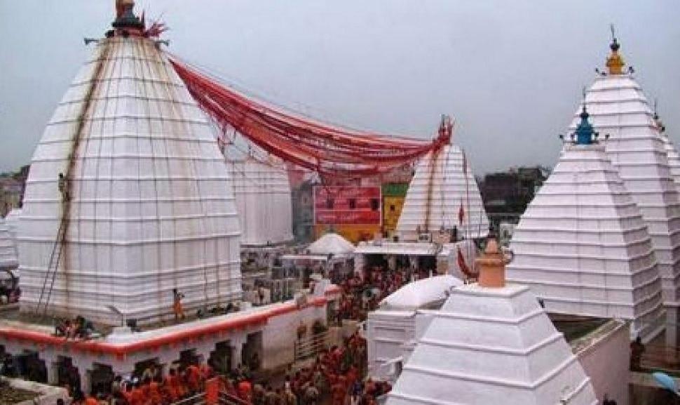 देवघर में बाबा वैद्यनाथ मंदिर का सुनसान नजारा, फूल बेचने वाले व पुरोहित परेशान