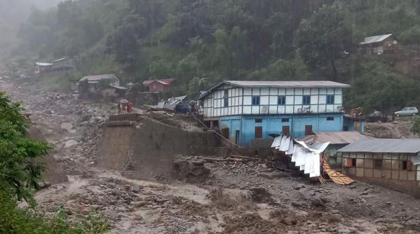 जम्मू कश्मीर, हिमाचल और लद्दाख में बादल फटे, 17 लोगों की मौत
