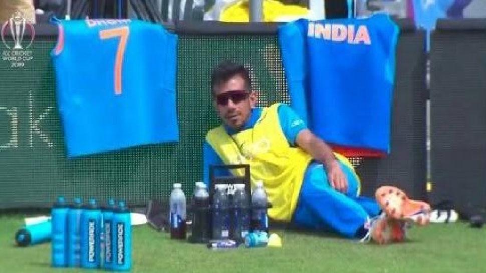 IND vs SL: ताश के पत्तों की तरह बिखरी भारतीय टीम, लोगों ने सोशल मीडिया पर जमकर उड़ाया मजाक