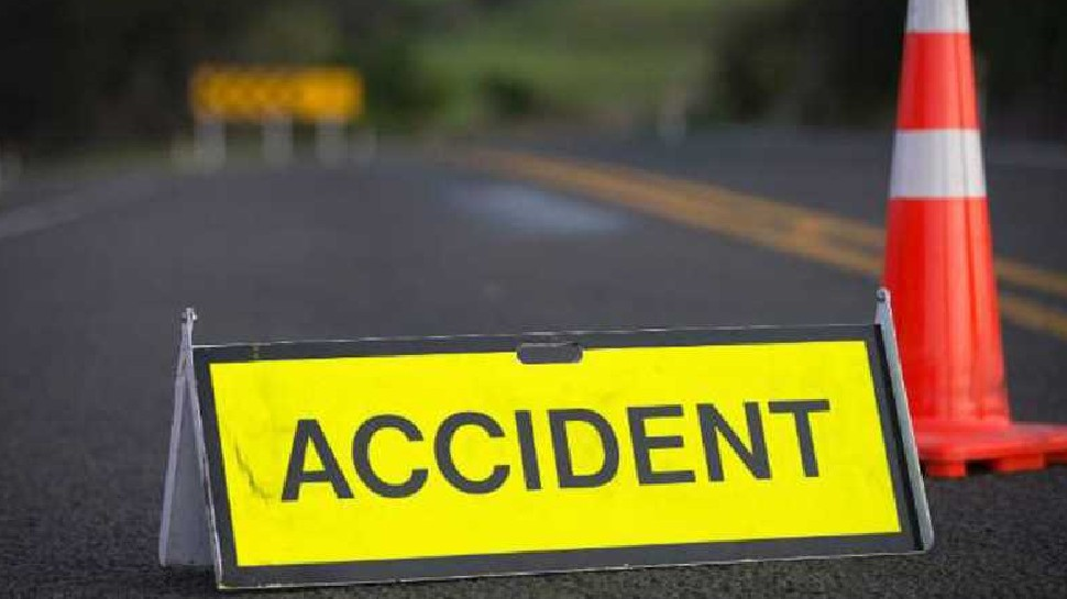 श्रावस्ती: ट्रैक्टर और बाइक की जोरदार भिड़ंत, 2 की मौत, एक घायल