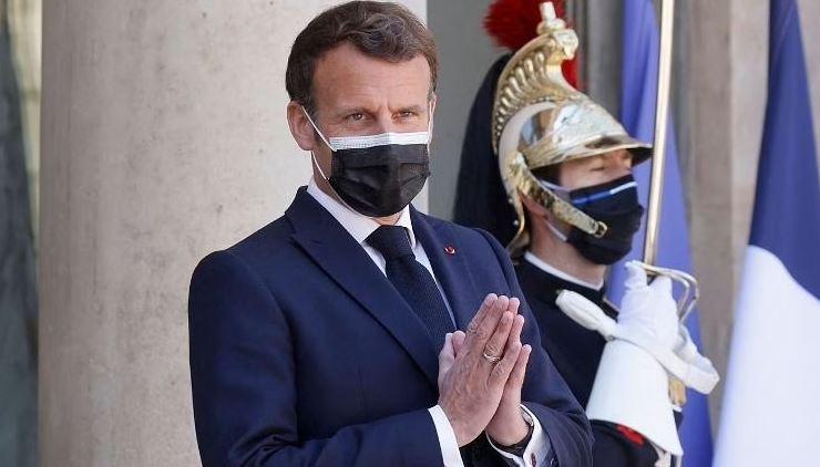 फ्रांस में सरकार के गले की फांस बना कोविड-19 पास, विरोध में सड़कों पर भारी प्रदर्शन