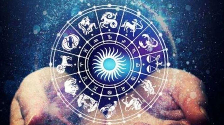 Daily Horoscope 04 August 2021: इस राशि के जातकों की बिगड़ सकती है सेहत, इस राशि को मिलेगा प्रमोशन