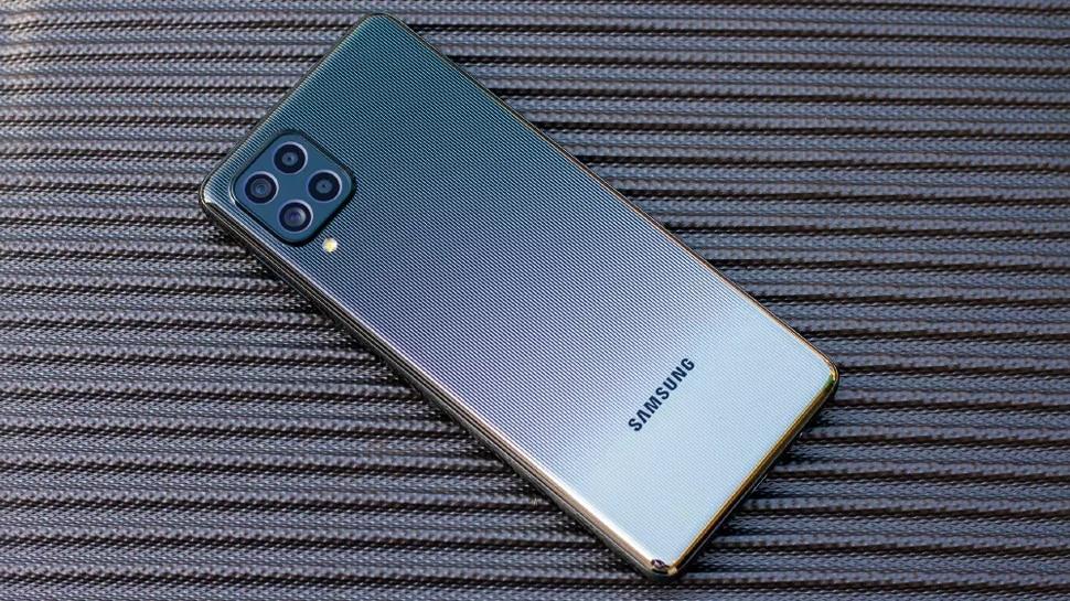 Xiaomi को टक्कर देने के लिए Samsung ने घटाए इस फोन के दाम, 3 दिन तक चलेगी बैटरी, दमदार है Camera