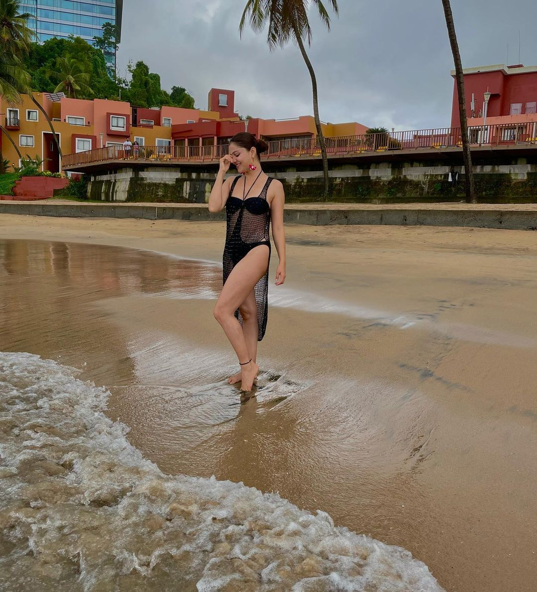 Rubina Dilaik in black bikini picture