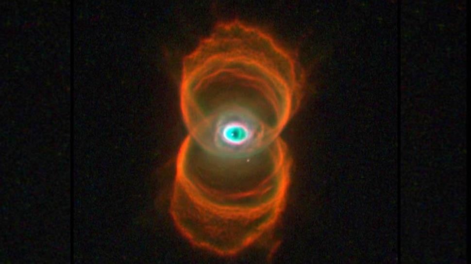 NASA Hubble Space Telescope Image Of Hourglass Nebula | NASA के हबल टेलिस्कोप ने कैद की 'मरते हुए तारे' की अद्भुत तस्वीर, देखकर वैज्ञानिक भी रह गए दंग